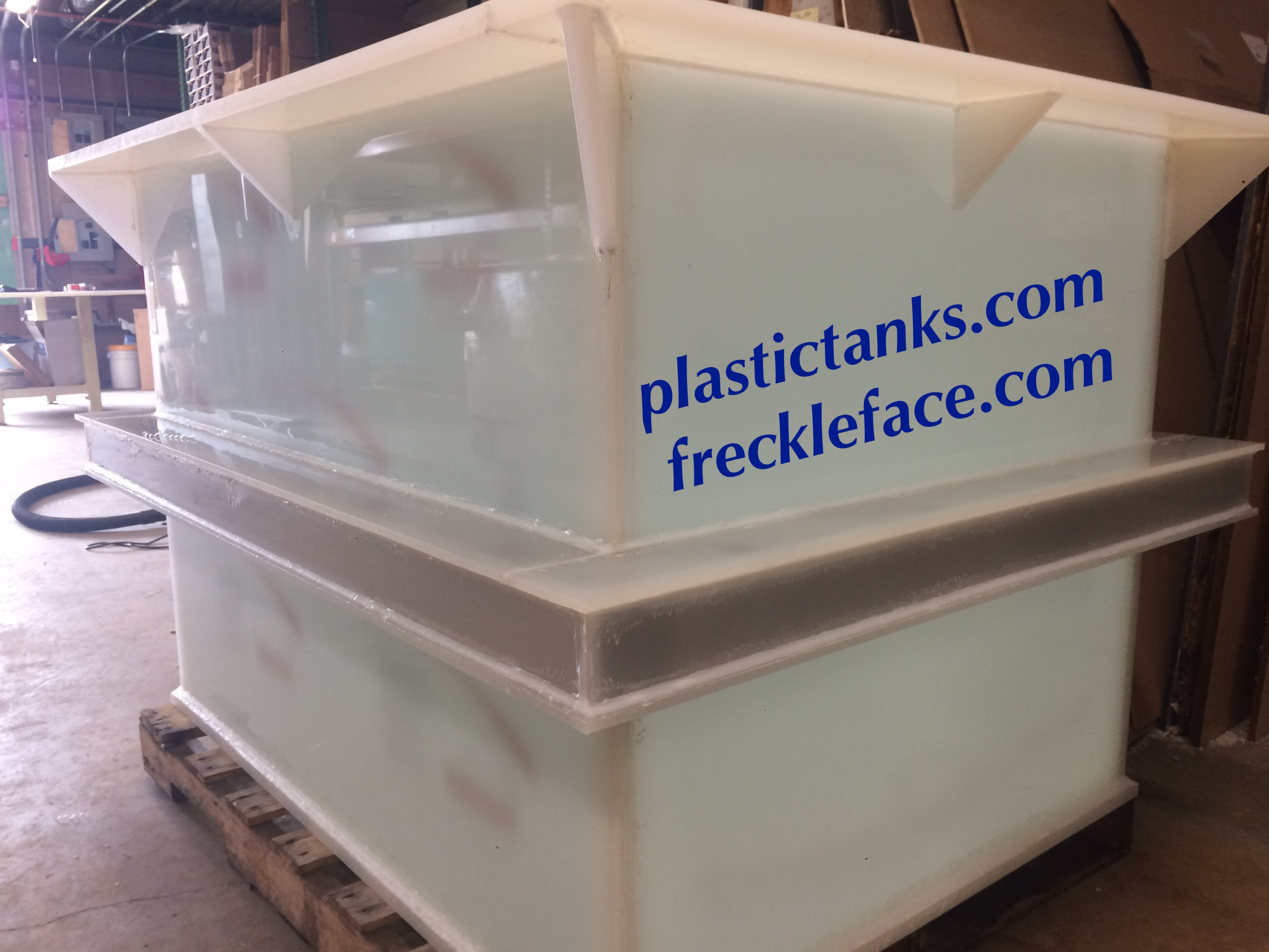 Anodizing tank made of polypropylene